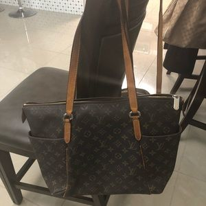 🔥Auth Louis Vuitton Totally MM Shoulder Bag